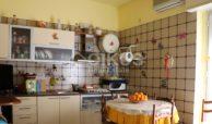 Casa singola con garage e terrazzi 7