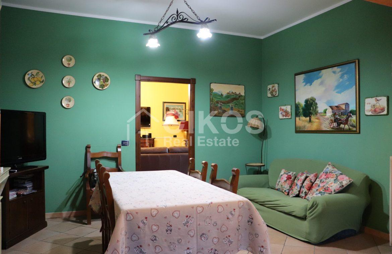 Villa con giardino e dependance 12