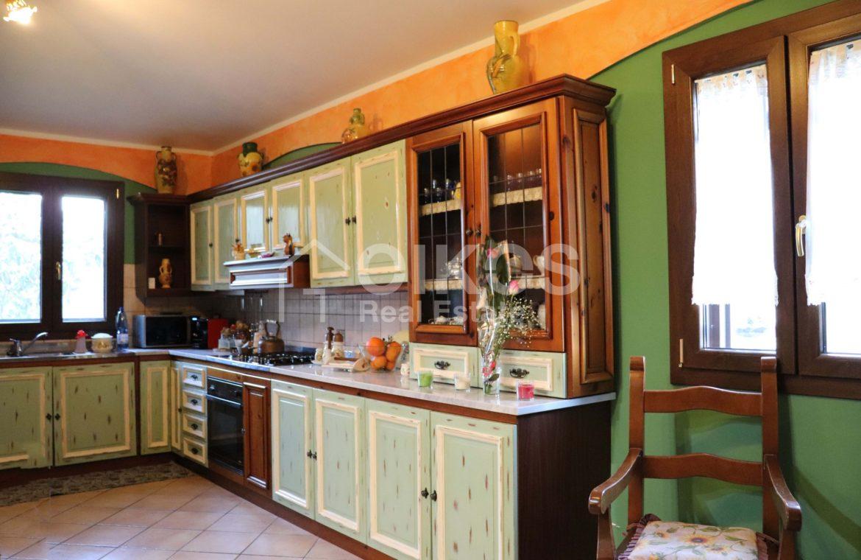 Villa con giardino e dependance 13