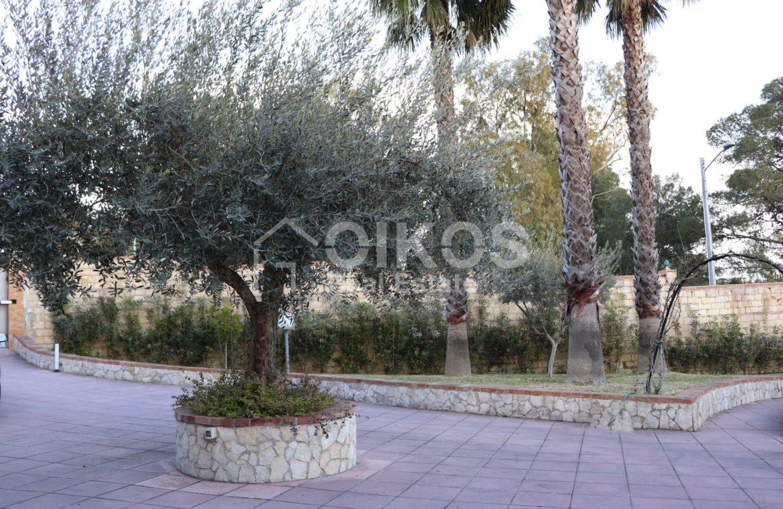 Villa con giardino e dependance 4