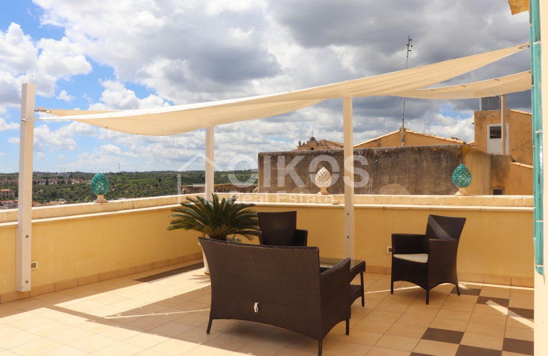 Appartamento con terrazzzo panoramico 01