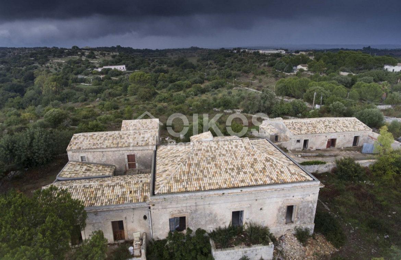 Casale dell'800 nella campagna siciliana 31