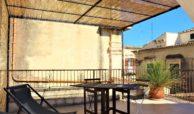 Casa con cortile e terrazzi al corso 05