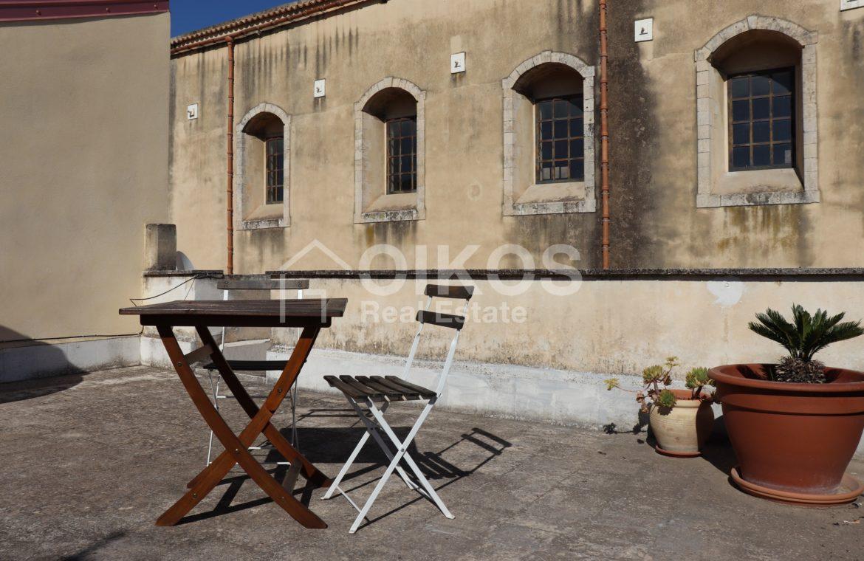 Casa con cortile e terrazzi al corso 07