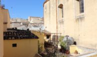 Casa con cortile e terrazzi al corso 09