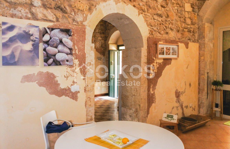 Casa singola in Via Ducezio 05