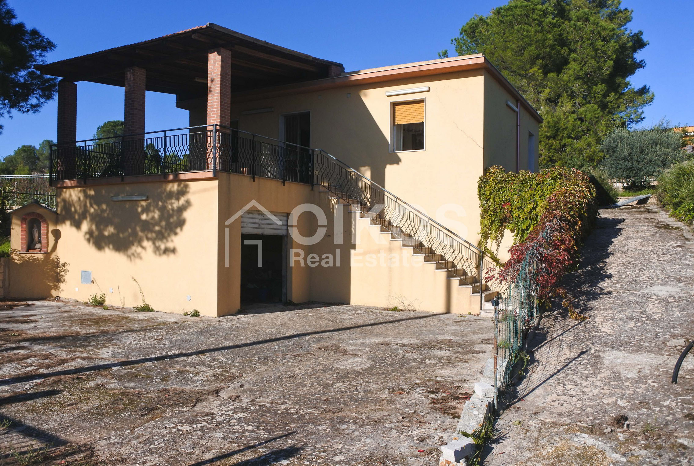 Villa indipendente con giardino c da Baronazzo 04