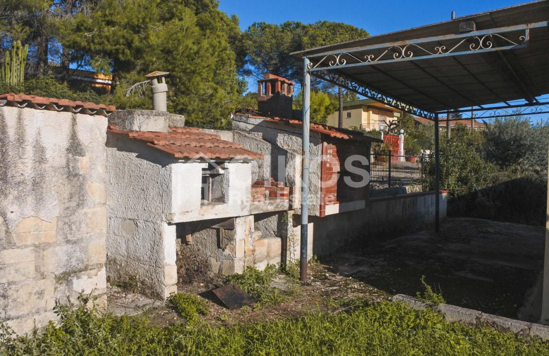 Villa indipendente con giardino c da Baronazzo 06