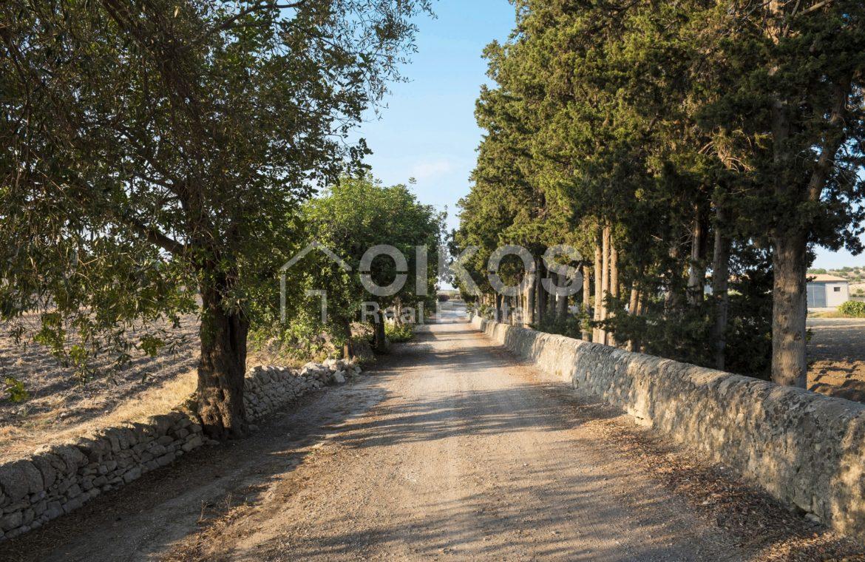 Antica fortezza in Val di Noto 03