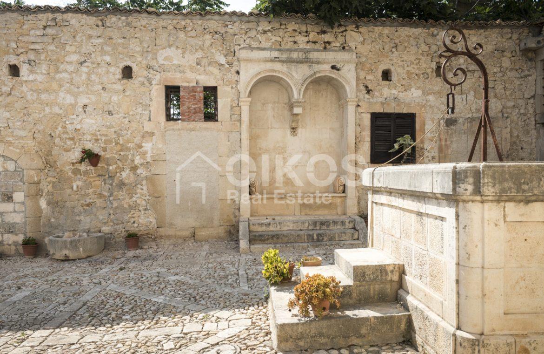Antica fortezza in Val di Noto 07