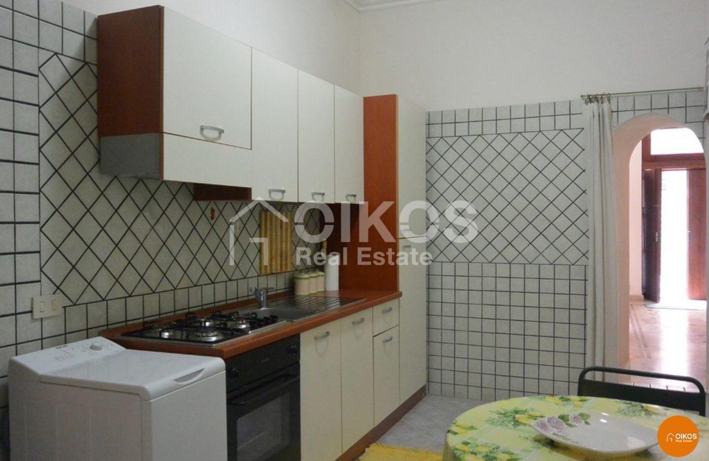 Casa con cortile in via Rocco Pirri 04