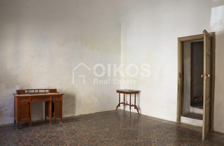 Casa con giardino in via P Umberto 04