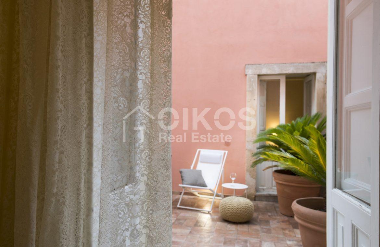 Palazzo Genovesi 30