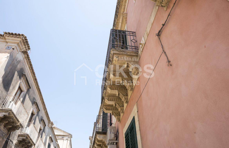 Palazzo Genovesi 42