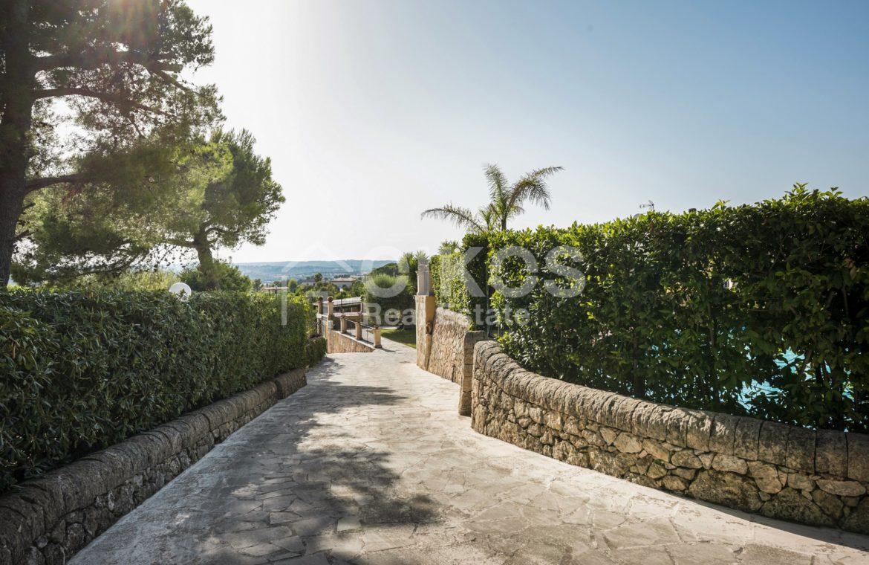 Villa con piscina a San Corrado F M 01