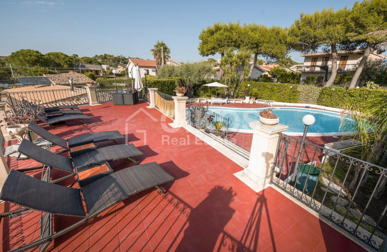 Villa con piscina a San Corrado F M 11