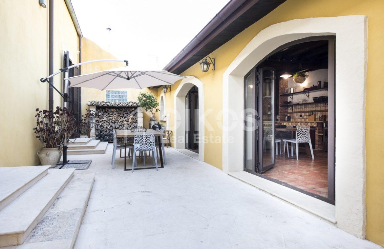 Villa con piscina a San Corrado F M 27