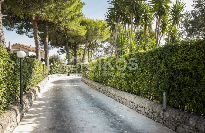 Villa con piscina a San Corrado F M 28