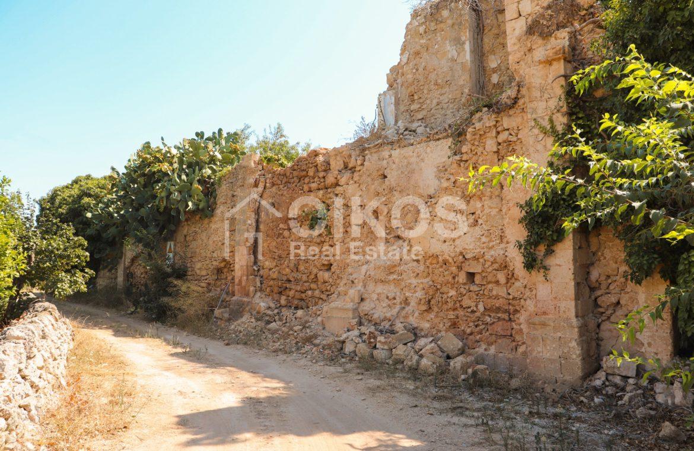 Antico caseggiato in c da Falconara 02