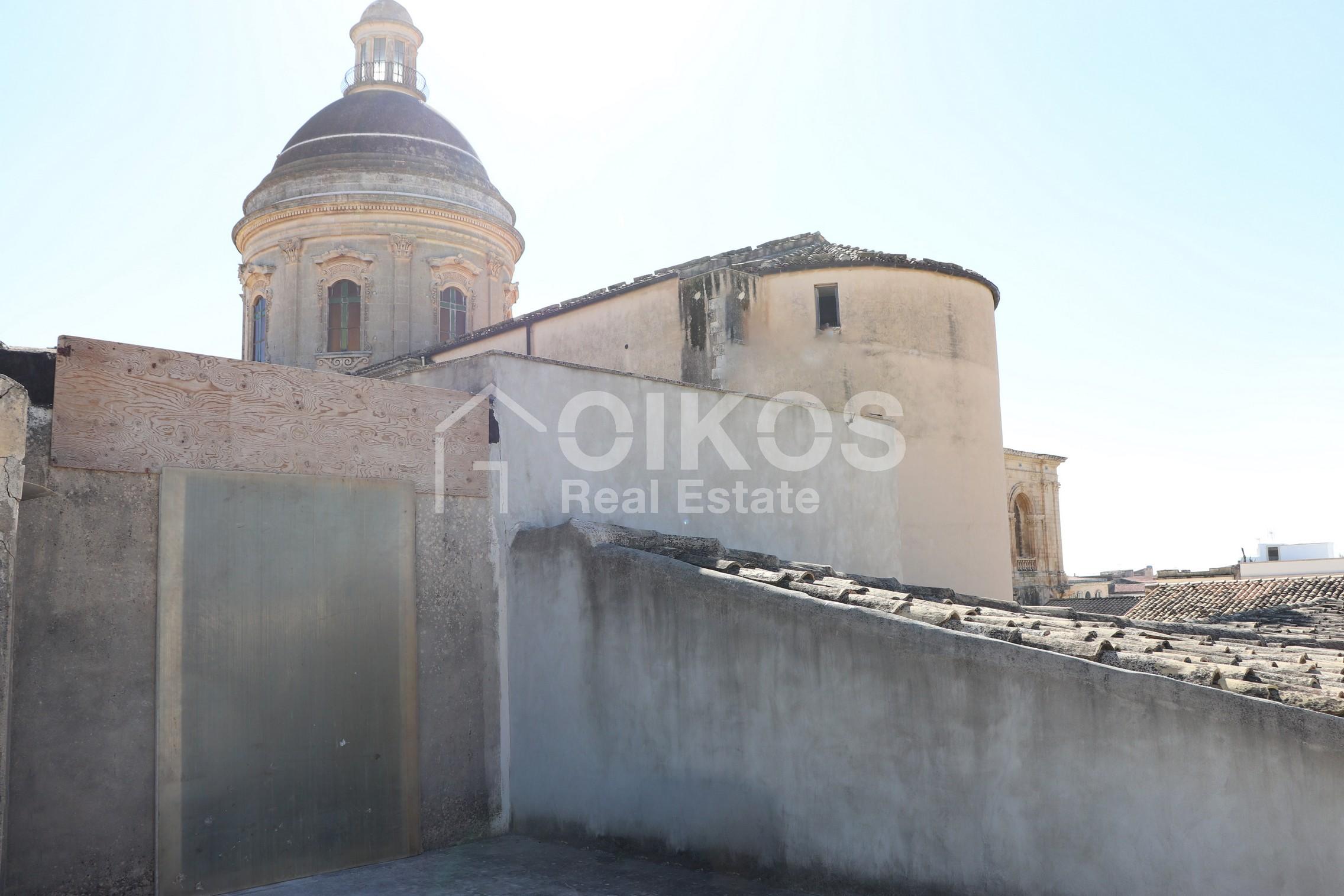 Casa con terrazzo al Crocifisso 11