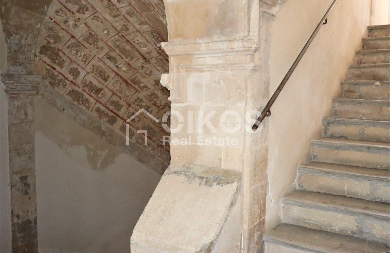 Casa con terrazzo nell'ex palazzo vescovile 04