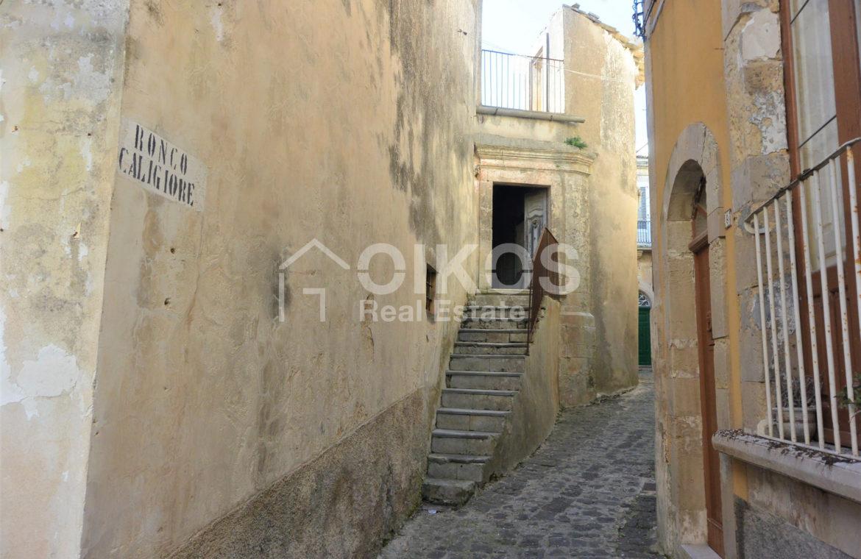 Storica casetta a Palazzolo Acreide 01