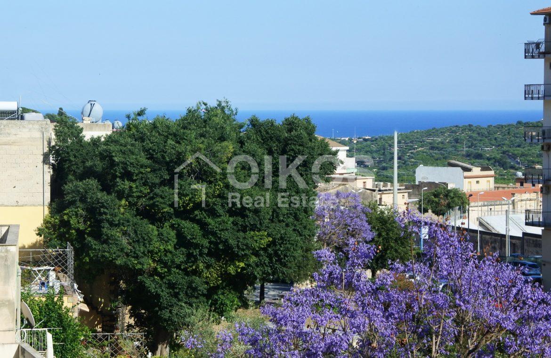 Palazzetto con terrazzi panoramici 01