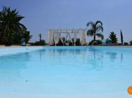 Villa con piscina e vista panoramica (10)