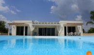 Villa con piscina e vista panoramica (9)