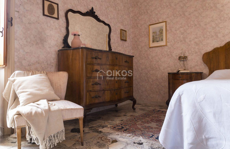 Palazzetto in via Cavour (13)