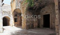 Caseggiato con antica macina nel cuore di Palazzolo Acreide 1