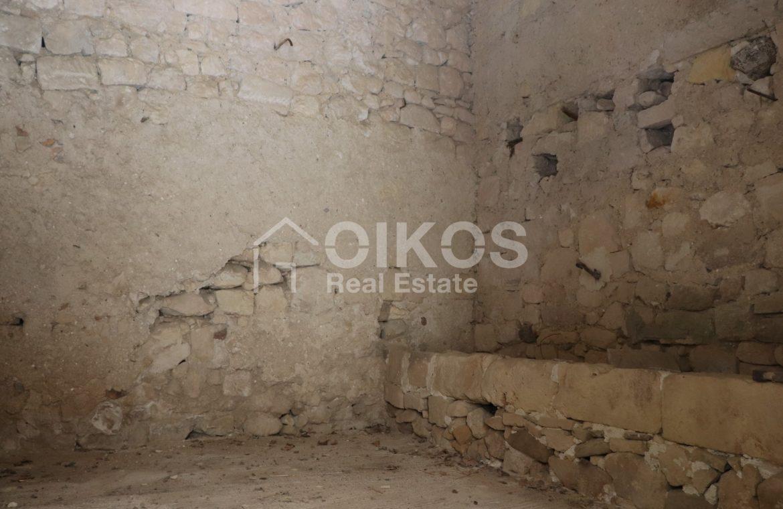 Caseggiato con antica macina nel cuore di Palazzolo Acreide 13