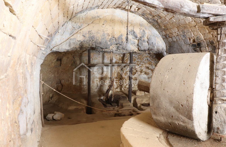 Caseggiato con antica macina nel cuore di Palazzolo Acreide 8