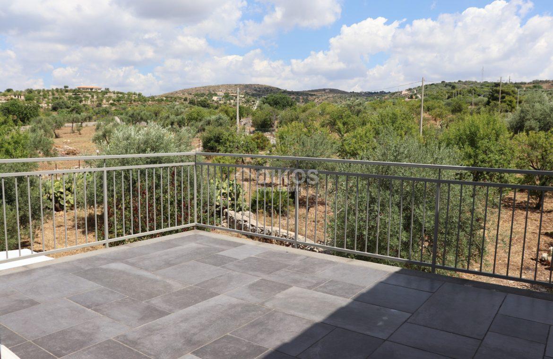 Villa con terrazzo e vista sul mare13