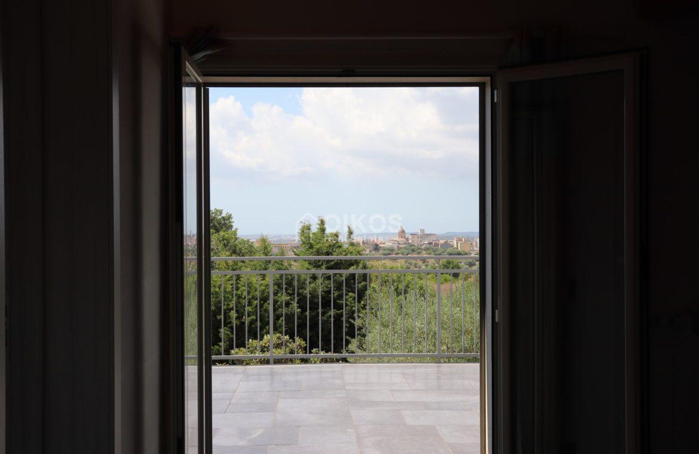 Villa con terrazzo e vista sul mare8