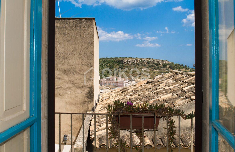 Casa con vista vicino via Cavour 04