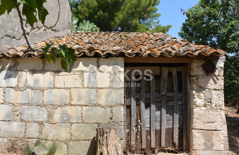 Casale San Paolo con cortile e giardino11