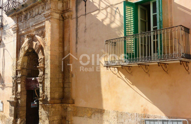 Casa centralissima via R Pirri1