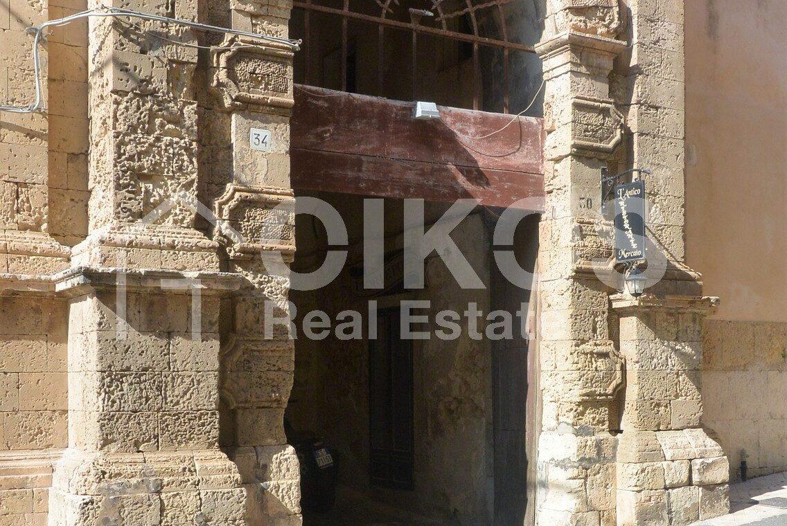 Casa centralissima via R Pirri13