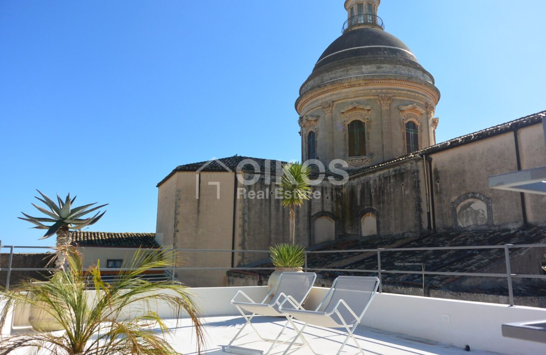 Casa con due terrazzi al Crocifisso1