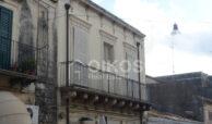 casa con terrazzino centro storico1