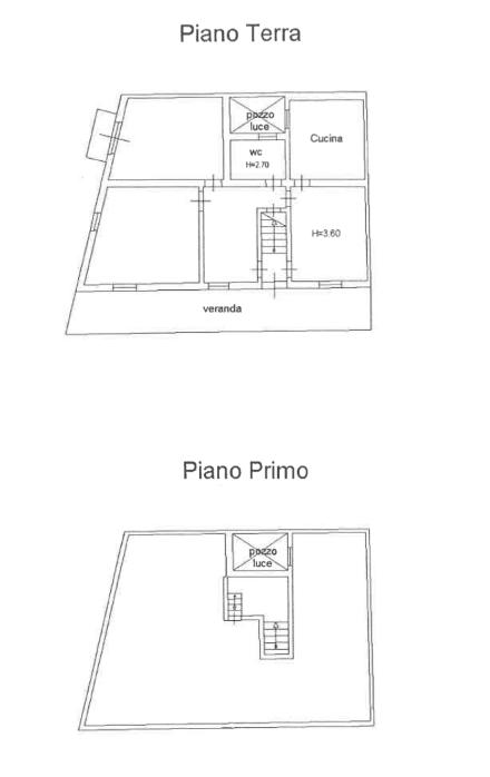 Casa con ampio terrazzo e due garage9