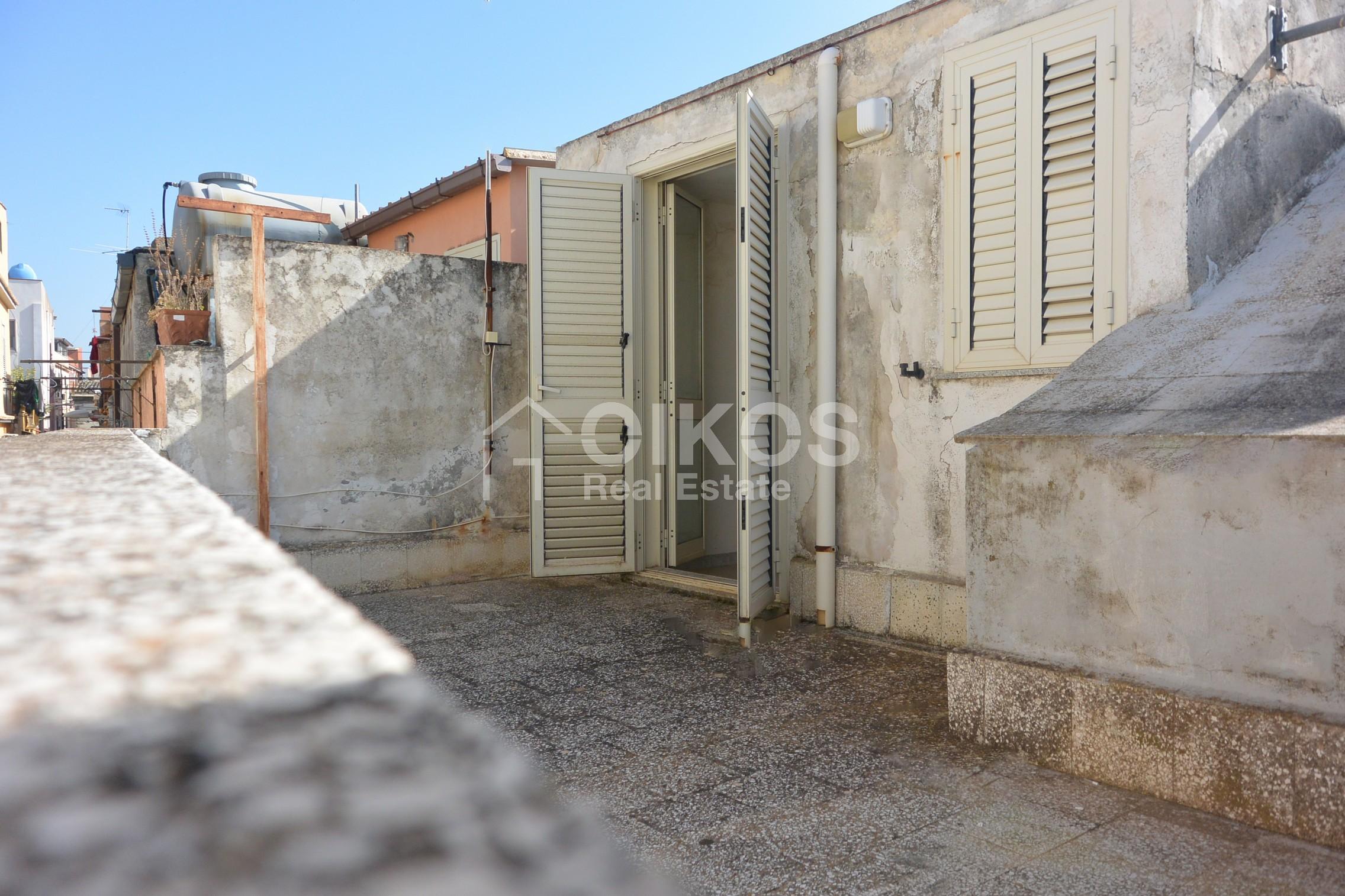 Casa con terrazzino1