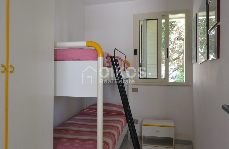 Villa al mare con terrazzo e due dépendance11