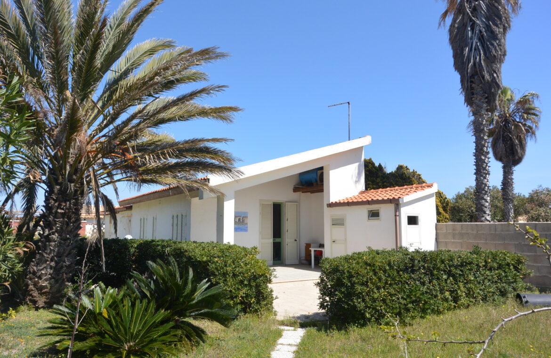 Villa al mare con terrazzo e due dépendance4