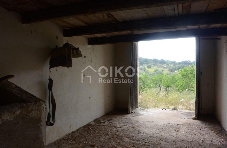 Casa con terreno in c da Renna10