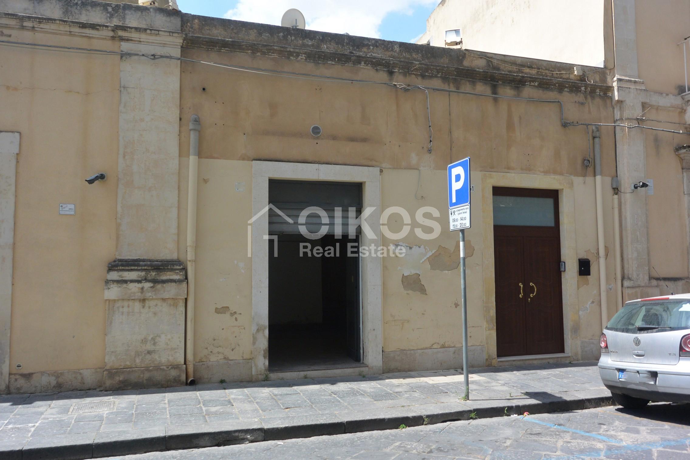 Locale commerciale al c so V Emanuele1