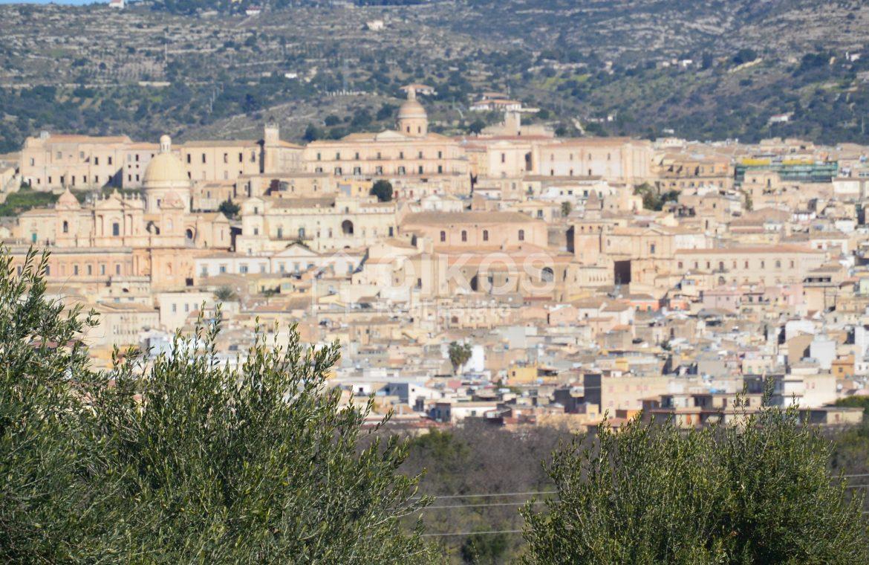 Terreno edificabile con vista su Noto (12)