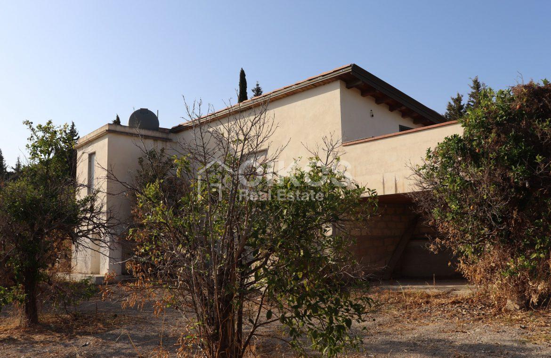 Villetta con terrazzo e terreno3