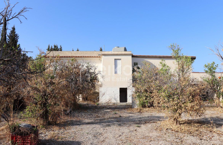 Villetta con terrazzo e terreno9